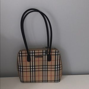 """Burberry"" purse"